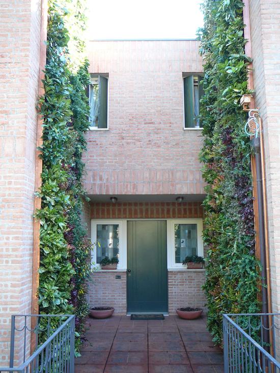 (ITA) Giardino verticale – Brescia – Casa privata