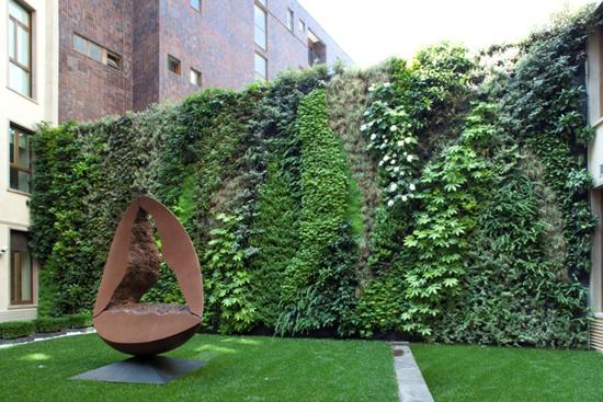 Giardino pensile milano piano madrid spazi verdi e - Giardino verticale madrid ...