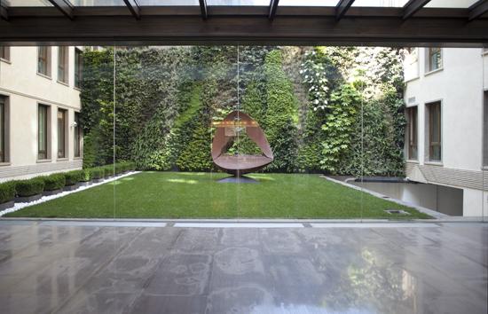 Giardino verticale presso condominio privato – Via Gabba – Milano